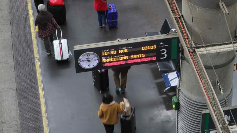 Εκτροχιασμός τρένου στη Βαρκελώνη: 1 νεκρός και 5 τραυματίες