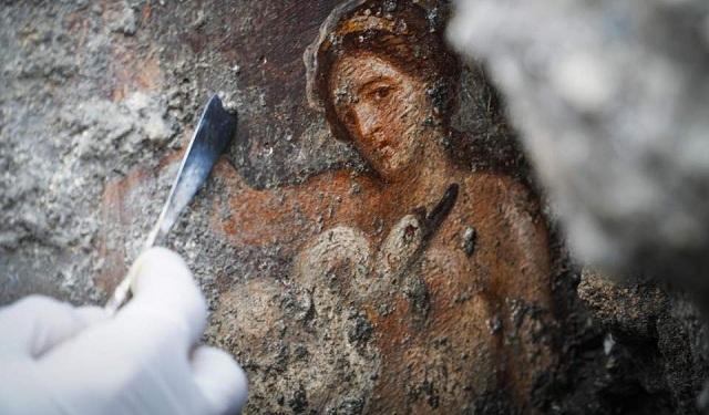Στο φως ερωτική νωπογραφία στην Πομπηία