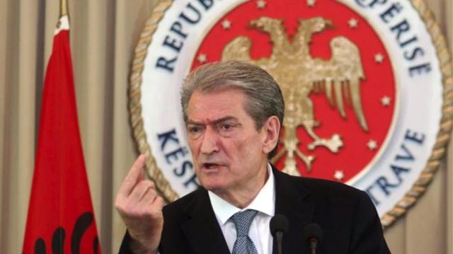 «Να καταργηθεί ο εορτασμός του ΟΧΙ στη Βόρειο Ήπειρο», λέει ο πρώην πρωθυπουργός