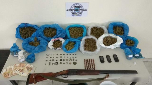 Τρία κιλά κάνναβη και αρχαία αντικείμενα στο σπίτι 38χρονου