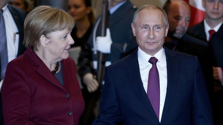 «Αίτημα» Πούτιν σε Μέρκελ να πιέσει την Ουκρανία