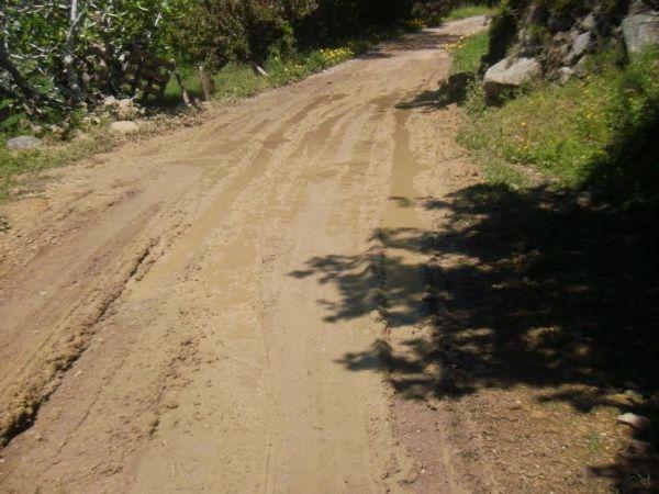 Εργα βελτίωσης στην αγροτική οδοποιία του Αλμυρού