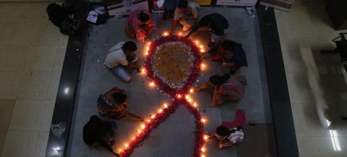 Παγκόσμια Ημέρα κατά του AIDS: Αγρυπνίες και συγκεντρώσεις σε όλο τον κόσμο