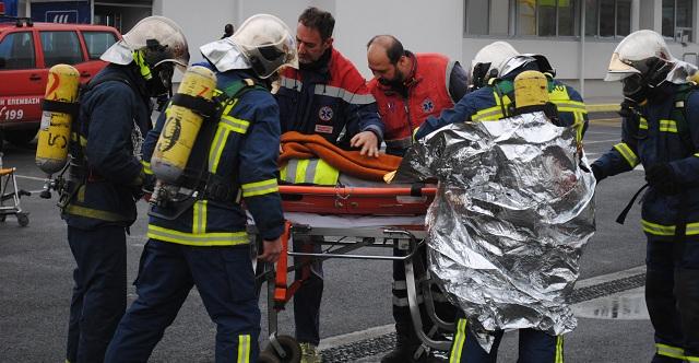 Ασκηση στη Β΄ΒΙ.ΠΕ. Βόλου: Εσβησαν τη φωτιά και διέσωσαν δύο υπαλλήλους
