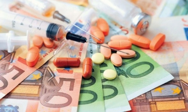 Αλλάζει η τιμολογιακή πολιτική στο φάρμακο. Σε αναβρασμό η Φαρμακοβιομηχανία