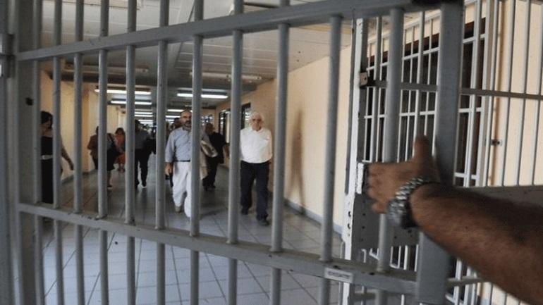 Απαγχονισμένος βρέθηκε 25χρονος στις φυλακές της Λάρισας