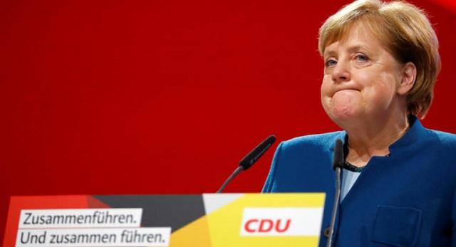 Όταν έκλαψε η Μέρκελ: Την χειροκροτούσαν επί 9,5 λεπτά [εικόνες]