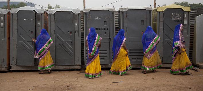 Επτάχρονη Ινδή κατήγγειλε τον πατέρα της στην αστυνομία, για μια τουαλέτα