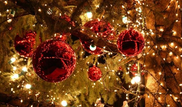 Συμβουλές από τον Σύνδεσμο Ηλεκτρολόγων για Χριστούγεννα με ασφάλεια