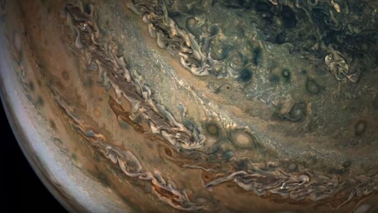 Αποστολή Juno: Εντυπωσιακές εικόνες από τον πλανήτη Δία