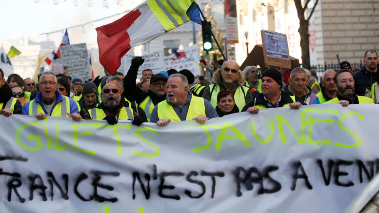 Eπεισόδια στο Παρίσι στις πορείες των κίτρινων γιλέκων [εικόνες]