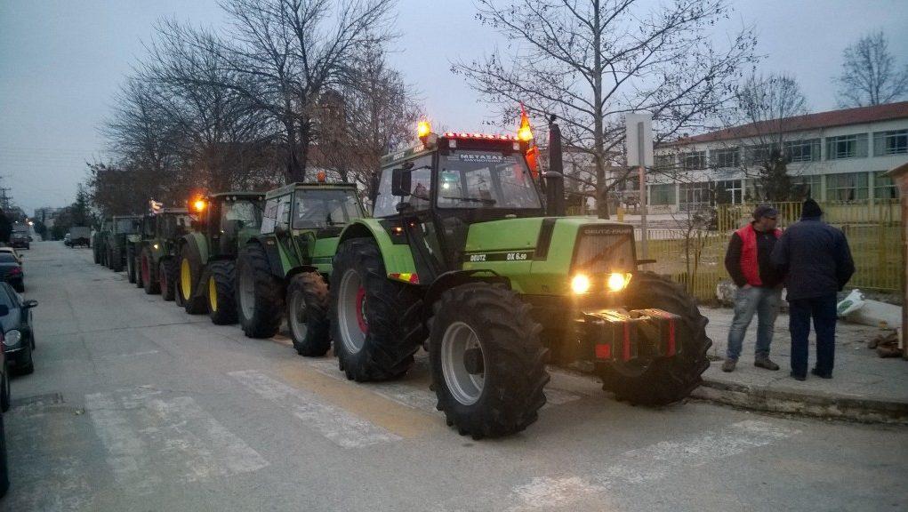 Στους δρόμους τα τρακτέρ τη Δευτέρα – Τι ζητούν οι αγρότες