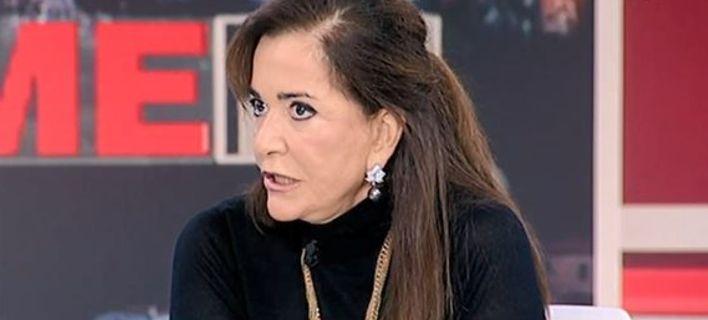 Ντόρα Μπακογιάννη: Ο Καμμένος είναι κότα τρίλειρη και μακροπουπουλάτη