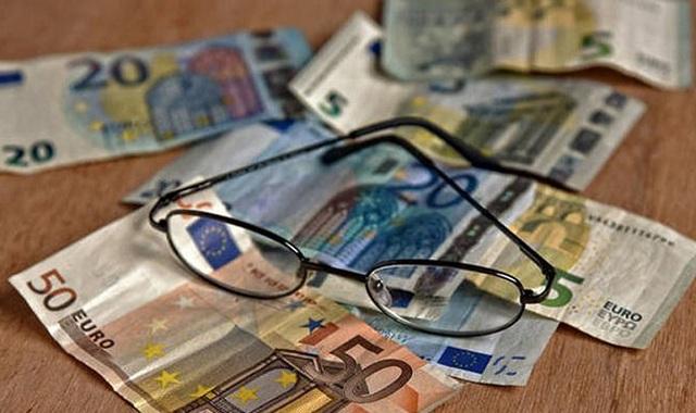 Πότε θα πληρωθούν οι συντάξεις Ιανουαρίου: Οι ημερομηνίες ανά Ταμείο
