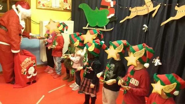 Τα νήπια της «Ηλιαχτίδας» γιόρτασαν τα Χριστούγεννα