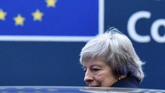 «Θρίλερ» ξανά με το Brexit: Νέα πρόταση μομφής κατά της Μέι