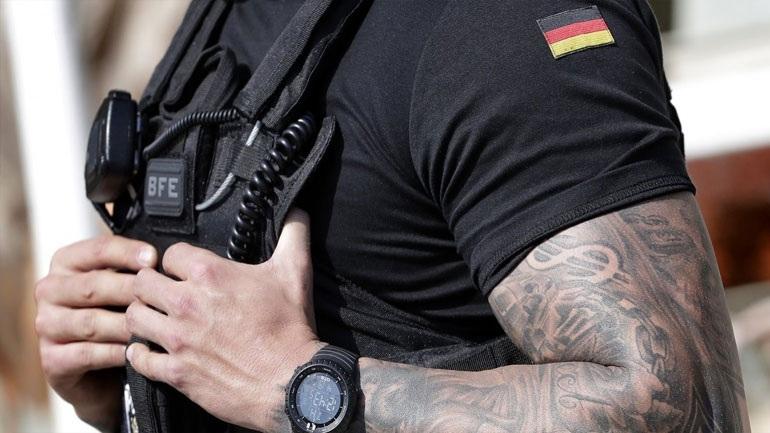 Γερμανία: Περισσότεροι αστυνομικοί ελέγχονται για συμμετοχή σε ακροδεξιό πυρήνα στην Έσση