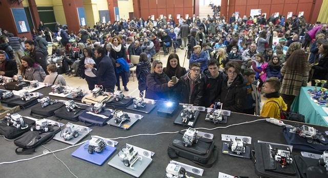 Διακρίθηκαν μικροί ρομποτιστές των 1ου και 8ου Γυμνασίων Βόλου