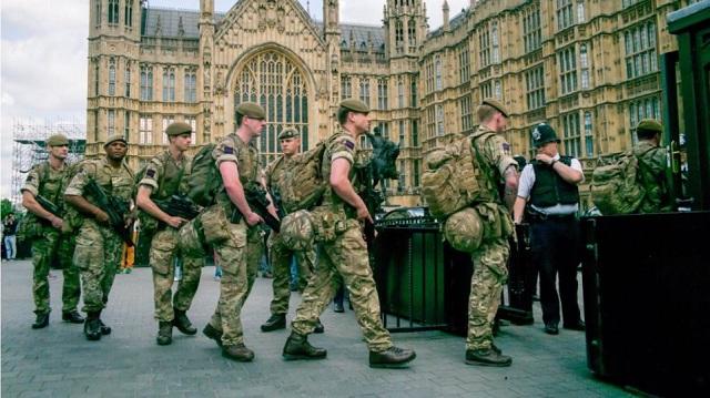 Βρετανία: Σε ετοιμότητα 3.500 στρατιώτες για το ενδεχόμενο ενός no deal Brexit