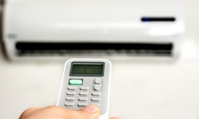 Προσοχή αν βάζετε το air condition για να ζεσταθείτε: Τι κίνδυνοι παραμονεύουν