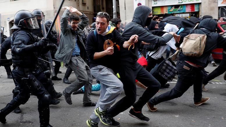 Βαρκελώνη: «Κόκκινο πανί» το υπουργικό συμβούλιο στην πόλη