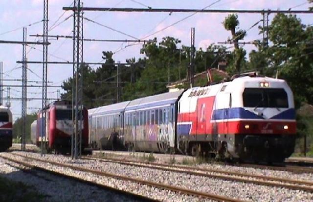 Σύγκρουση τρένου με ΙΧ στην Κωνσταντινουπόλεως στην Αθήνα