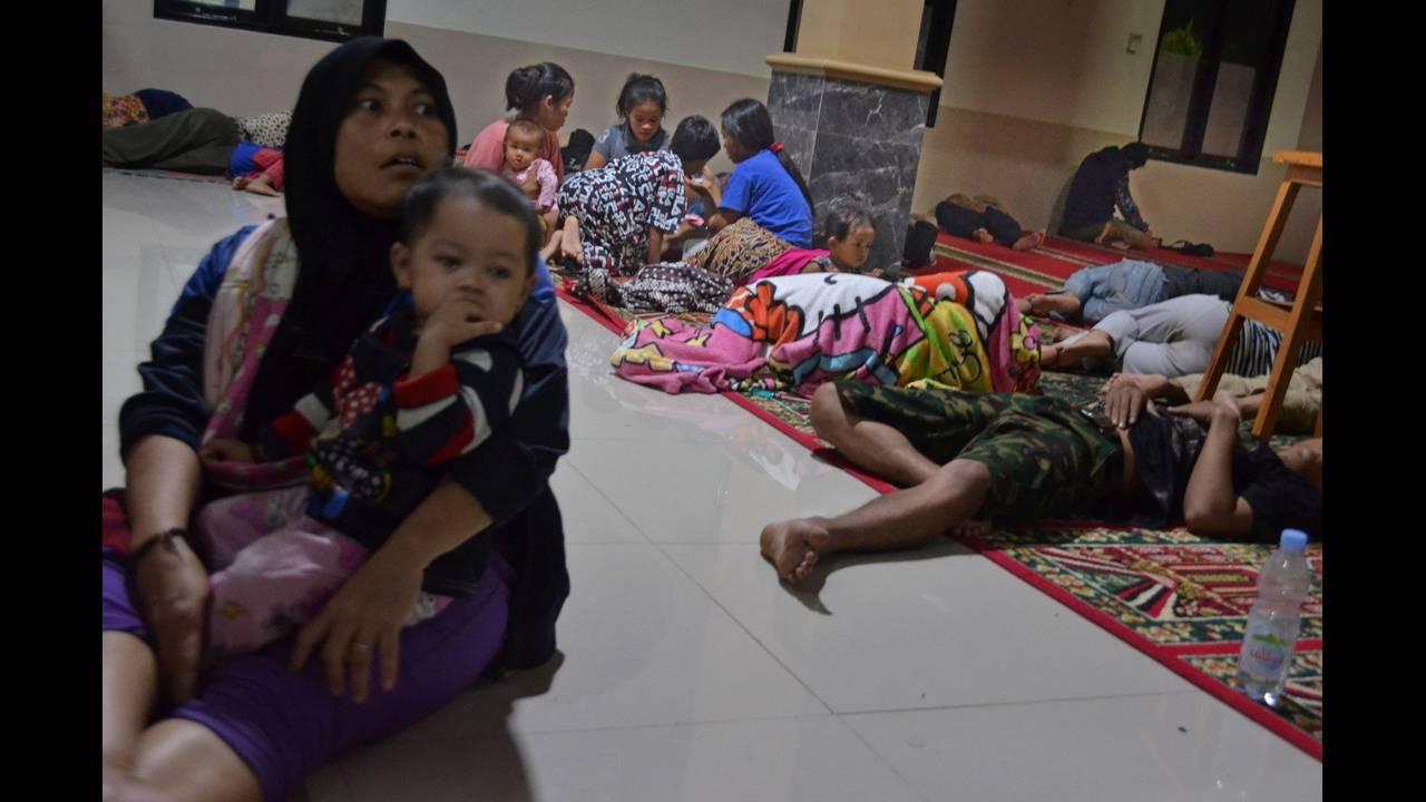 Συγκλονιστικές μαρτυρίες από τη βιβλικη καταστροφή στην Ινδονησία