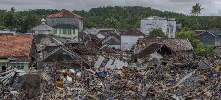 Ελληνας που έζησε το τσουνάμι στην Ινδονησία περιγράφει τη φρίκη