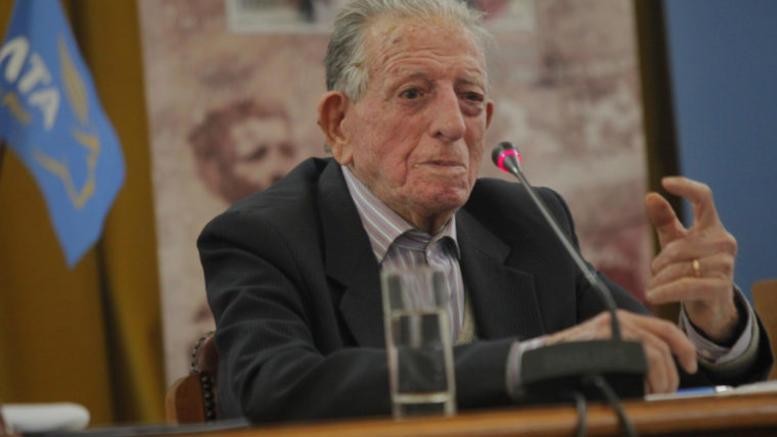 Απεβίωσε ο αντιστασιακός και συγγραφέας Βαρδής Β. Βαρδινογιάννης