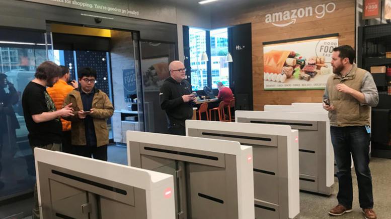 Κατέρρευσε η Alexa της Amazon λόγω... Άγιου Βασίλη
