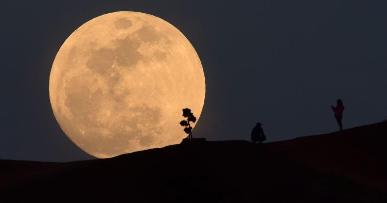 Η Κινα στο φεγγάρι