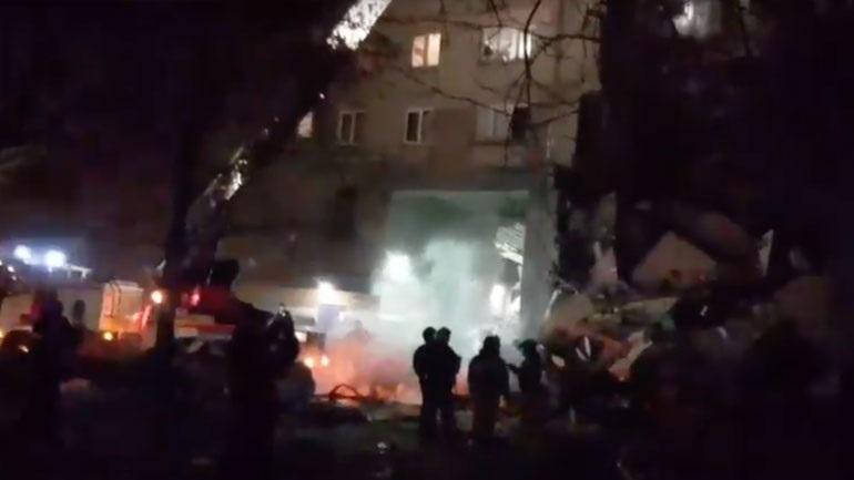 Ρωσία: Τουλάχιστον δύο νεκροί μετά την κατάρρευση 10ώροφης πολυκατοικίας λόγω έκρηξης φυσικού αερίου