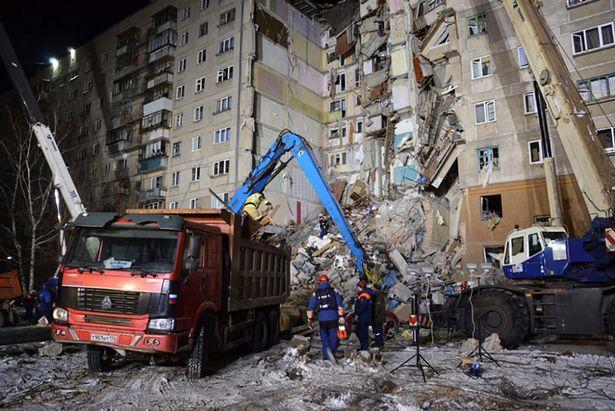 Ρωσία: Η συγκλονιστική στιγμή που βρέφος εντοπίζεται ζωντανό στα ερείπια της πολυκατοικίας που κατέρρευσε!