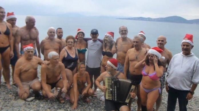Ο Σύλλογος Χειμερινών Κολυμβητών Βόλου Ιάσωνας γιόρτασε στη θάλασσα το 2019