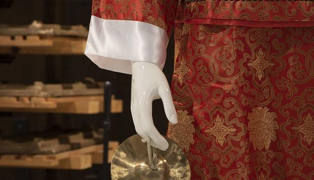 Κοστούμια κινεζικής όπερας στο Μουσείο Πλινθοκεραμοποιίας