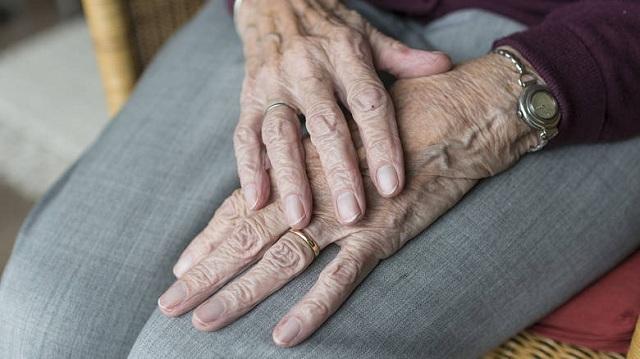 Η ιστορία γυναίκας που πέθανε μόνη και φτωχή και ήταν… εκατομμυριούχος