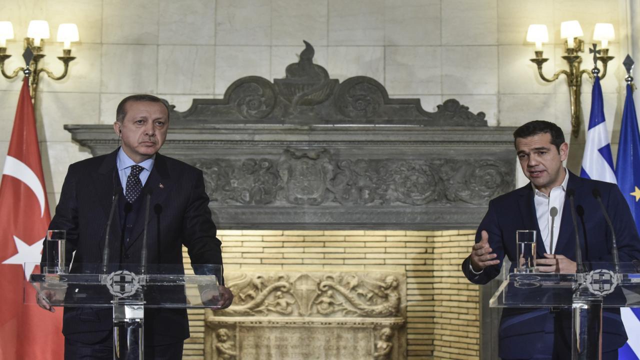 Με ποίημα απάντησε ο Τσίπρας στο τραγούδι του Ερντογάν
