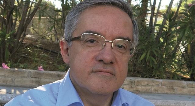 Δημήτρης Καραβασίλης: «Εσωτερική ανάγκη η συγγραφή»