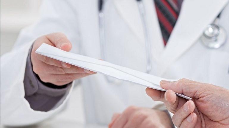 Σύλληψη γιατρού δημοσίου νοσοκομείου για «φακελάκι»