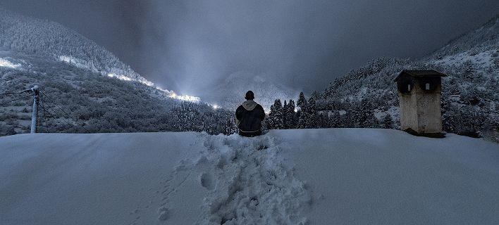 Φωτογράφος παράτησε τα πάντα και ζει σε απομονωμένο ορεινό χωριό 14 κατοίκων στην Καρδίτσα