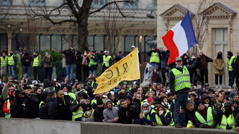 Γαλλία: Έρχονται αυστηρές κυρώσεις για τις κινητοποιήσεις