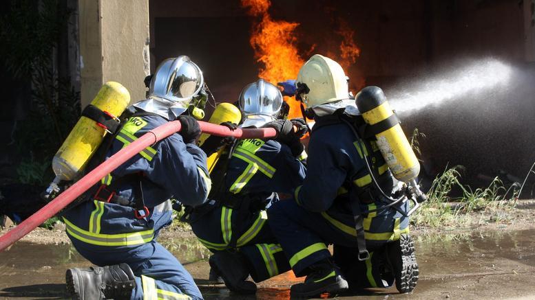 Σε κρίσιμη κατάσταση δίδυμα που σώθηκαν από πυρκαγιά
