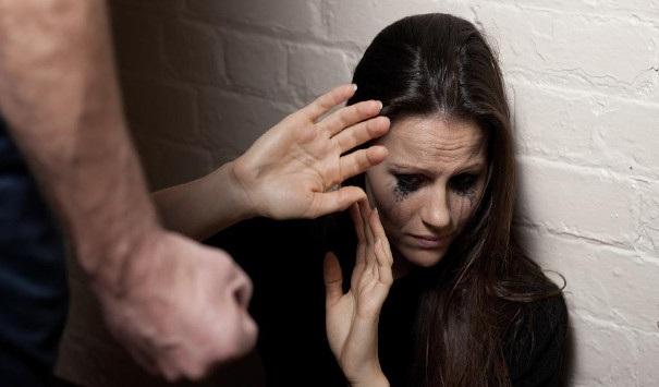 «Καμπάνα» σε Βολιώτη που χτύπησε τη σύζυγό του με τακούνι