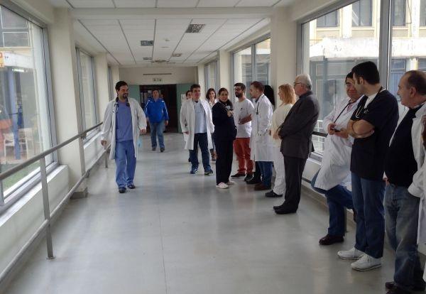 Παραμένουν στις θέσεις τους οι επικουρικοί στο Νοσοκομείο Βόλου