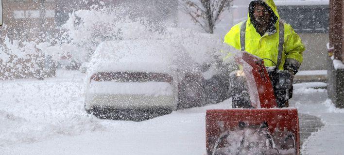 Χάος στις ΗΠΑ από χιονοθύελλα: Επτά νεκροί σε τροχαία, ακυρώθηκαν 1.624 πτήσεις