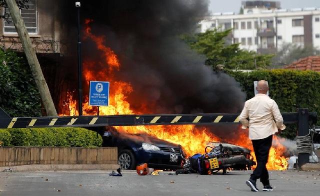 Μακελειό σε ξενοδοχείο στο Ναϊρόμπι έπειτα από εισβολή ένοπλων ισλαμιστών