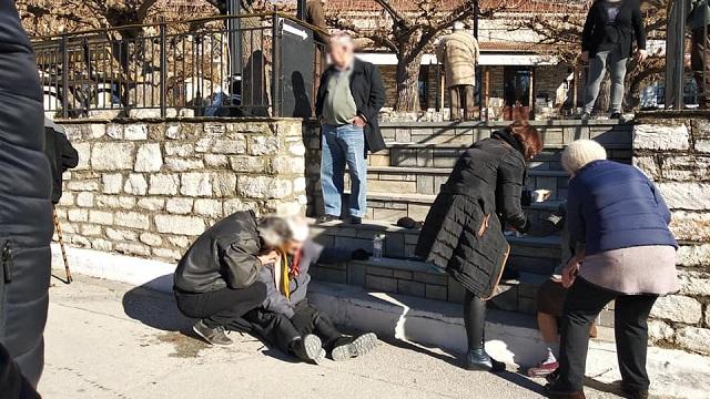 Τραυματισμός ηλικιωμένου στην πλατεία Καναλίων