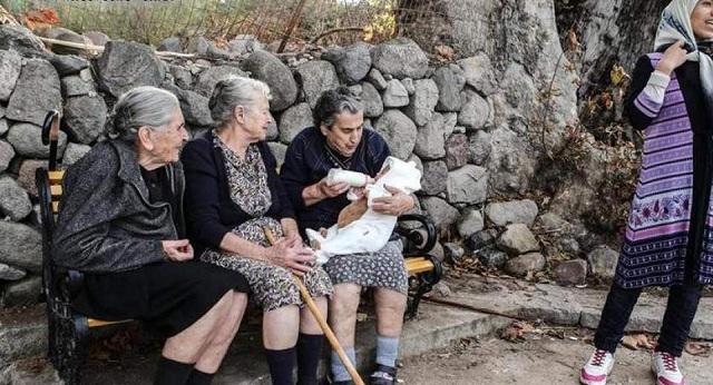 Συγκίνηση για την απώλεια της γιαγιάς Μαρίτσας της Λέσβου