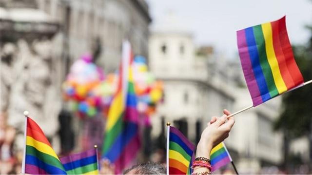 Παρουσιαστής καταδικάστηκε σε φυλάκιση επειδή πήρε συνέντευξη από ομοφυλόφιλο
