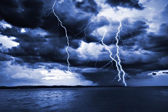 Έκτακτο της ΕΜΥ: Καταιγίδες, χαλάζι, θυελλώδεις άνεμοι